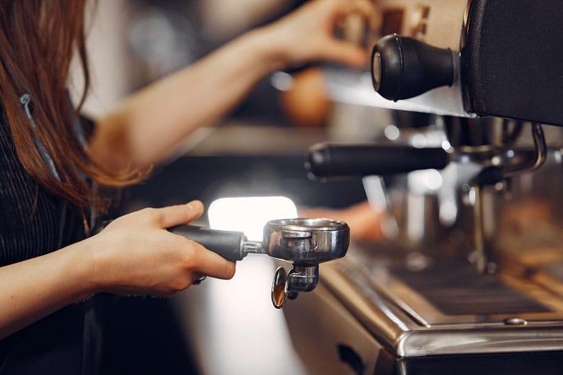 Chỉ dẫn kỹ thuật pha cà phê sử dụng khi thanh lý mua bán máy pha cafe cũ